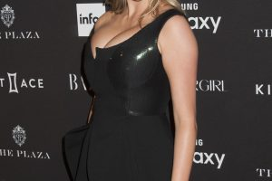 kate upton cleavage 58 photos celeb nudester 100 12