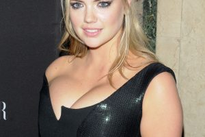kate upton cleavage 58 photos celeb nudester 100 15