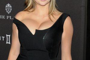 kate upton cleavage 58 photos celeb nudester 100 17