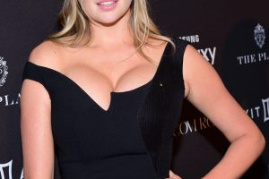 kate upton cleavage 58 photos celeb nudester 100 23