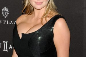 kate upton cleavage 58 photos celeb nudester 100 26