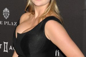 kate upton cleavage 58 photos celeb nudester 100 28