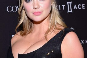 kate upton cleavage 58 photos celeb nudester 100 39