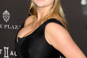 kate upton cleavage 58 photos celeb nudester 100 7