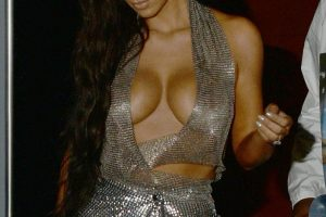 kim kardashian cleavage 18 photos celeb nudester 93 10