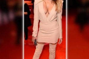 sophia thomalla cleavage 9 photos celeb nudester 81 5