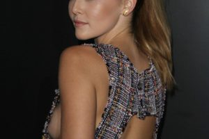 zoey deutch sideboob 29 photos celeb nudester 100 17